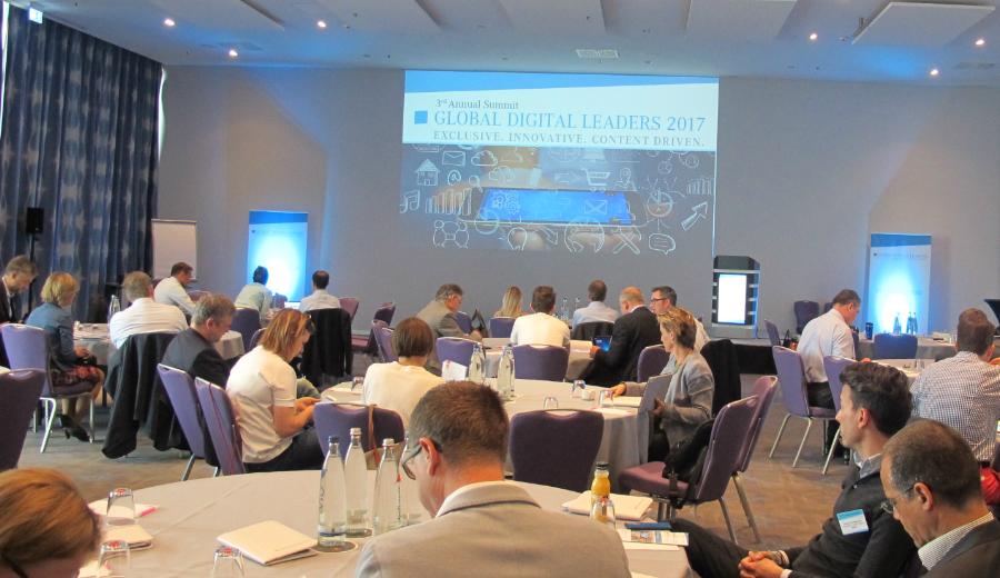 Tagungsraum mit Teilnehmern