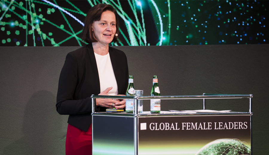 Michaela Peisger speaks about New Work at KPMG at our Global Female Leaders Summit 2019